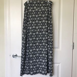 Faded Glory printed black grey maxi skirt